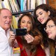 Lívian Aragão se encontrou com Patricia Poeta no lançamento do livro do pai, Renato Aragão, nesta terça-feira, 5 de dezembro de 2017