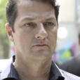 Na novela 'Pega Pega', Malagueta (Marcelo Serrado) não mostrará arrependimento do roubo ao Carioca Palace ao falar com o policial Expedito (Fábio Felipe)
