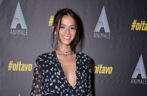 Bruna Marquezine combina decote e transparência e fala de moda: 'Me descobrindo'