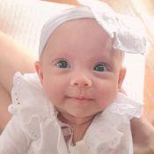 Eliana paparica a filha, Manuela, em mêsversário de 3 meses: 'Muita fofura'