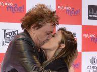 Fábio Jr. 'ataca' e beija a mulher, Fernanda Pascucci, em evento. Fotos!