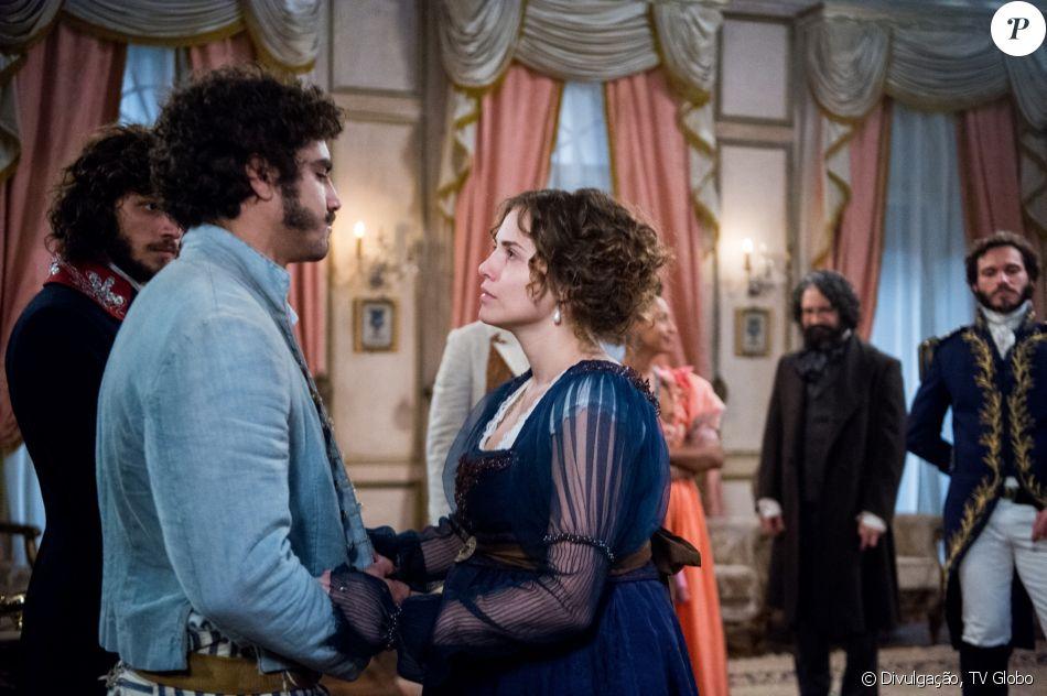 Leopoldina (Letícia Colin) e Dom Pedro (Caio Castro) roubaram a cena como o  casal real na novela  Novo Mundo  9d32e43ff4