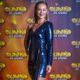 Assim como Anitta, Paolla Oliveira, apresentadora do 'Caldeirão de Ouro', apostou em look brilhoso para a gravação