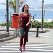 Patricia Poeta, com pochete em look, caminha na orla e vai à academia. Fotos!