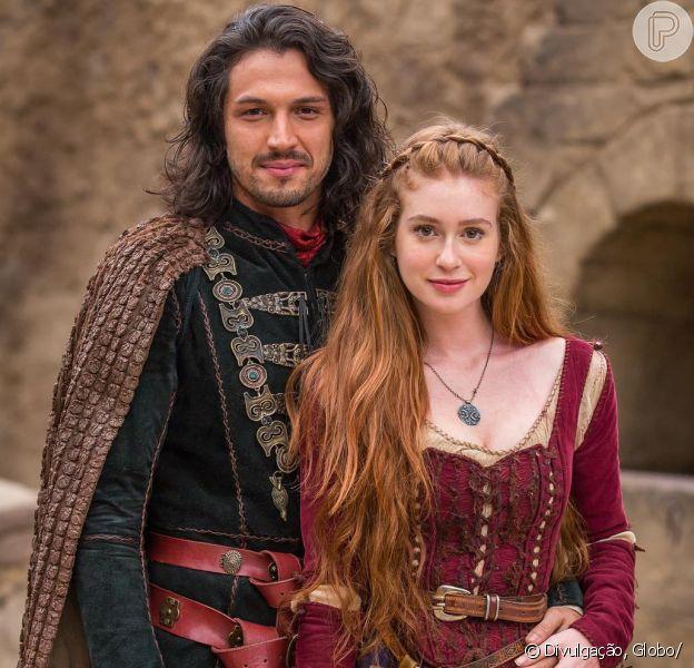 Marina Ruy Barbosa elogia par romântico de 'Deus Salve o Rei'