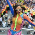 No Carnaval, Anitta virou meme e teve look criticado ao  comandar o Bloco das Poderosas em 4 de março de 2017