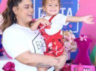 Neta de Preta Gil rouba atenção na edição de 10 anos do bazar da cantora. Fotos!