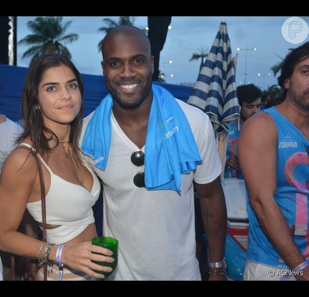 Rafael Zulu e Gabriela Arruda terminaram namoro após quase um ano, diz o colunista Leo Dias, do jornal 'O Dia', nesta terça-feira, 19 de dezembro de 2017