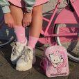 Meias bonitinhas e peças com a personagem Hello Kitty também são escolhas da holandesa Cécile Laureen