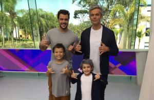 Otaviano Costa vai às lágrimas ao se despedir de Joaquim Lopes ao vivo: 'Irmão'