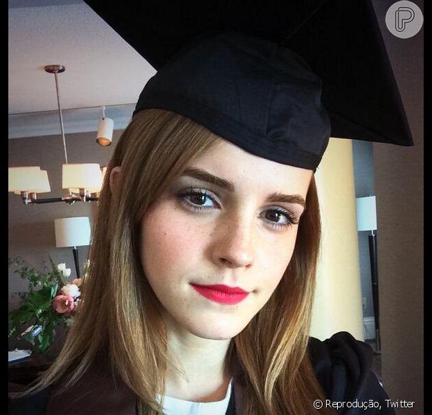 Emma Watson se forma em Literatura Inglesa, em 26 de maio de 2014