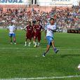 Neymar mostrou seu futebol arte no jogo beneficente
