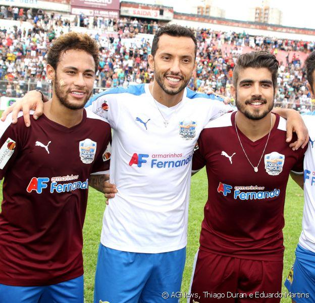 Neymar participou de um jogo beneficente organizado por Caio Castro neste sábado, 23 de dezembro de 2017