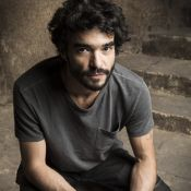 Chefe de guarda em novela, Caio Blat assume: 'Espada pesa mais do que eu'