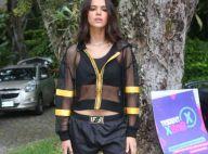 Bruna Marquezine é clicada em praia de Noronha com atrizes e amigos. Veja foto!