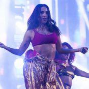 Anitta assiste pela primeira vez queima de fogos em Copacabana: 'Era meu sonho'