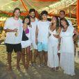 Giullia Buscacio esteve com o namorado, Pedro Cantelmo, e sua família na festa de Réveillon