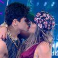 Lucas Veloso rebateu seguidora que quis saber se namoro com Nathalia Melo era jogada de marketing