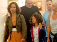 Tal mãe, tal filha! Camila Pitanga e Antonia exibem cabelos parecidos em passeio