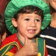 Fernanda Gentil fantasia filho caçula, Gabriel, de palhaço para assistir espetáculo do Patati Patatá, no Via Parque, shopping localizado na Zona Oeste do Rio de Janeiro, neste domingo, 7 de janeiro de 2018