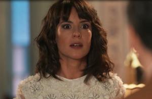 'Tempo de Amar': Lucinda fica presa em casa no dia do casamento de Maria Vitória