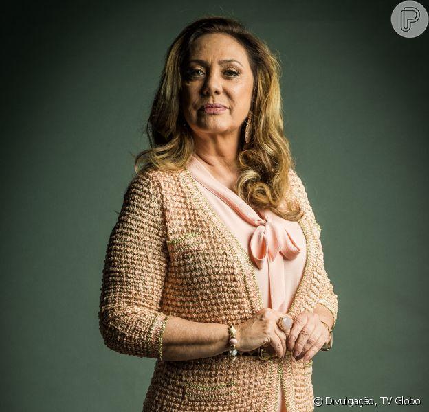 Eliane Giardini,no ar como Nádia na novela 'O Outro Lado do Paraíso', comentou que sente dificuldade em interpretar uma mulher preconceituosa