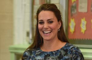 Kate Middleton repete vestido de R  350 usado na gravidez de Charlotte.  Fotos! 74c9179a3a