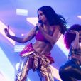 Ainda morena, Anitta fez show pela primeira vez no réveillon de Copacabana