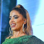 Anitta ganhou cachê de R$ 300 mil de marca para adotar cabelo loiro, diz jornal