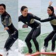 Pérola Faria mostrou habilidade durante aula de surfe em praia da Barra da Tijuca, Zona Oeste do Rio, neste sábado, 13 de janeiro de 2018