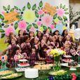 As alunas e funcionárias do colégio preparam uma festa para Pascoal (Camilo Bevilacqua), no capítulo que vai ao ar quinta-feira, dia 25 de janeiro de 2018, na novela 'Carinha de Anjo'