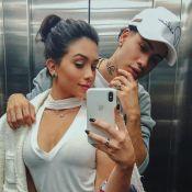 Flavia Pavanelli e Kevinho celebram namoro com aliança: 'Primeiro mês'