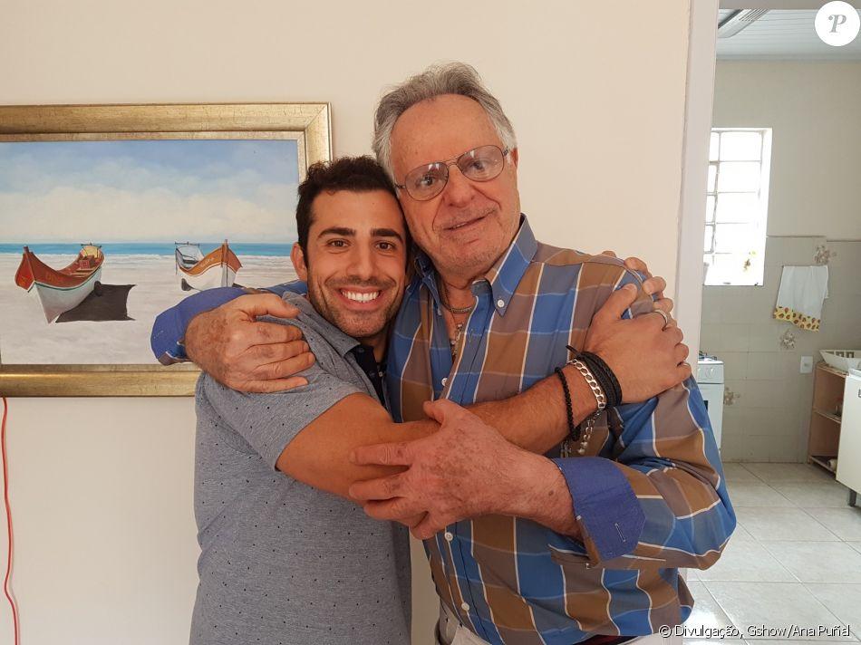 Kaysar foi recebido por Sr. Nacib, parente de sua avó, em Curitiba, no Paraná