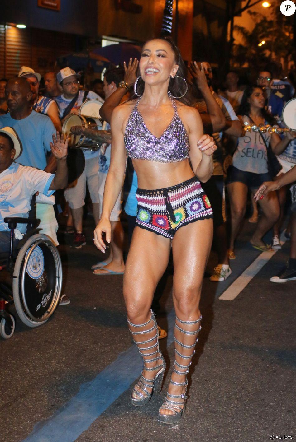 Sabrina Sato quer emagrecer para desfilar pela Unidos de Vila Isabel e Gaviões da Fiel no Carnaval: 'Preciso perder 1 kg'