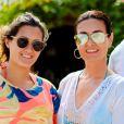 Fátima Bernardes brincou estar aprendendo a tirar selfies com a filha: 'Aula'