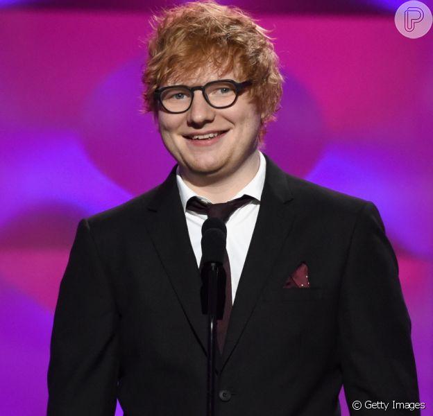 Ed Sheeran anunciou que está noivo da namorada, Cherry Seaborn, neste sábado, 20 de janeiro de 2018