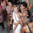 Mariana Ximenes se divertiu no ensaio do Cortejo Afro para o carnaval 2018