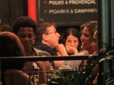 Solteiro, Maicon Rodrigues curte barzinho com Giulia Costa: 'Amigos'. Veja fotos