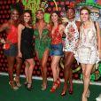 Erika Januza encontrou Adriana Bombom, Paloma Bernardi, a rainha de bateria Juliana Paes, Juliana Trevisol e Leona Cavalli em ensaio na quadra da Grande Rio neste sábado, dia 27 de janeiro de 2017