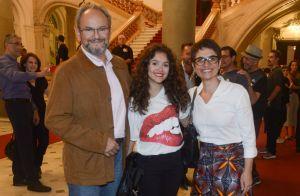 Sandra Annenberg curte show acompanhada do marido e a filha, Elisa. Fotos!