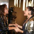 Juliana Paes e Giovanna Antonelli colocaram o papo em dia ao se reencontrarem em evento de moda