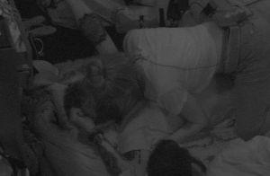 'BBB18': clima esquenta entre Ana Clara e Breno com beijos no chão após festa