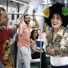 Angélica anda de trem com Rodrigo Sant'Anna no 'Estrelas': 'Ai como sou bandida'