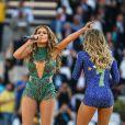 Jennifer Lopez se apresentou na abertura da Copa do Mundo ao lado de Claudia Leitte e do rapper Pitbull