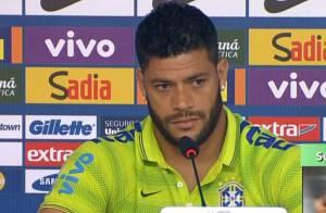 Hulk tranquiliza torcida após deixar treino da Seleção com dor: 'Estou bem'