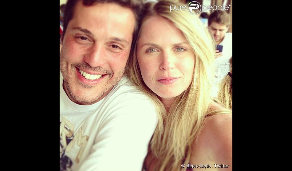 Susana Werner elogia atuação do marido, Julio Cesar, em jogo do Brasil (17 de junho de 2014)