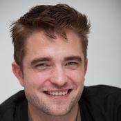 Robert Pattinson é flagrado aos beijos com Katy Perry após estreia de filme