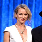 Naomi Watts usa colar em forma de serpente de R$ 3 milhões em evento beneficente
