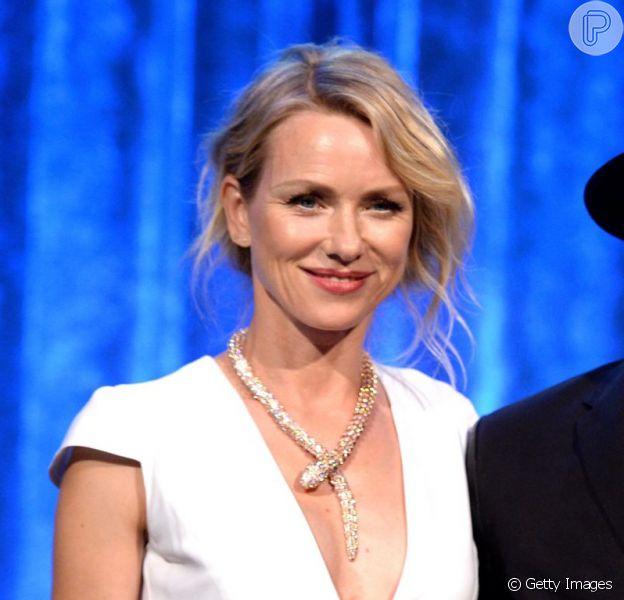 Naomi Watts usou o colar no evento de gala no valor de R$ 3 milhões em evento beneficente, em 19 de junho de 2014