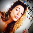 Fernanda Paes Leme aparece sem maquiagem wem foto do Instagram: 'Dia de folga, cara de sono', em 30 de junho de 2014